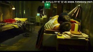 极品20岁中国鲜肉KTV直男少爷被伪娘和姐妹一起玩,最后被口射