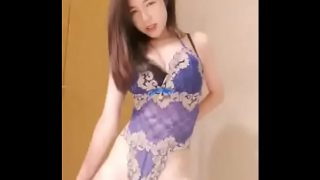 Chinese Cam Girl FeiFei – Striptease & Masturbate 01