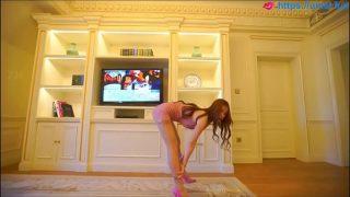 Chinese Pretty model Yan Yu Platinum girl for more videos http://cu5.io/rTNHNW